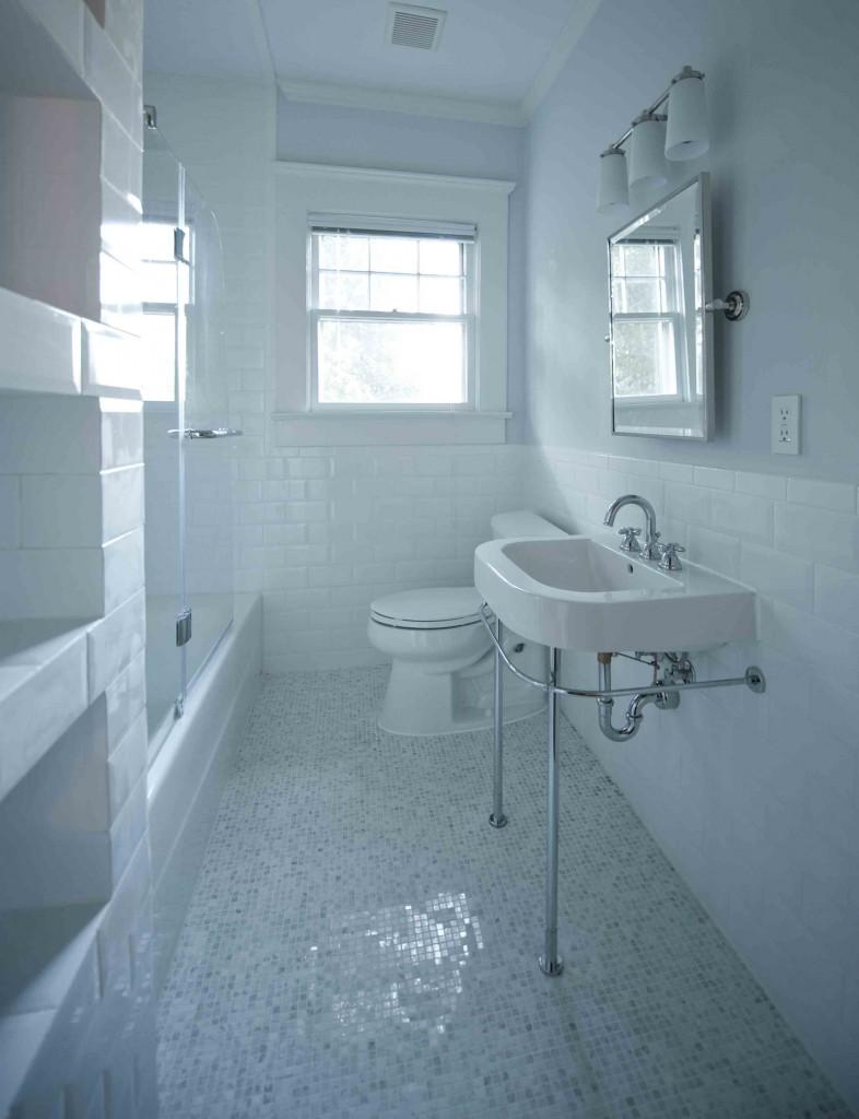 Heirloom design build craftsman bathroom renovation for Bungalow bathroom designs